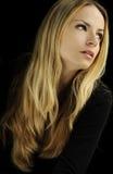 Ragazza con capelli biondi lunghi Fotografia Stock Libera da Diritti