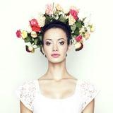 Ragazza con capelli delle rose Fotografia Stock