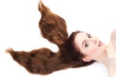 Ragazza con capelli marroni lunghi fotografie stock
