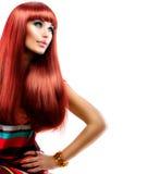 Ragazza con capelli rossi lunghi immagine stock libera da diritti