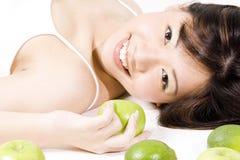 Ragazza con frutta 2 fotografia stock