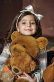 Ragazza con gli orsi di orsacchiotto Fotografie Stock Libere da Diritti