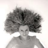Ragazza con grandi capelli ricci Immagine Stock Libera da Diritti
