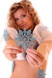 ragazza con i piccoli fiocchi di neve blu Fotografia Stock