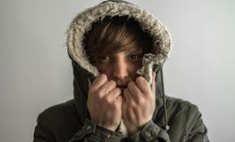 Ragazza con il cappuccio di inverno Fotografia Stock