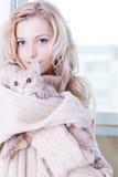 Ragazza con il gattino Immagine Stock Libera da Diritti