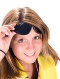 Ragazza con il giubbotto di salvataggio e gli occhiali da sole Fotografie Stock Libere da Diritti