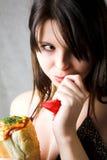 Ragazza con il hot dog Fotografia Stock Libera da Diritti