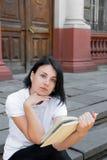 Ragazza con il libro, studiante Immagine Stock Libera da Diritti