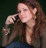 Ragazza con il telefono mobile Fotografie Stock Libere da Diritti