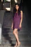 Ragazza con il vestito viola 2 Immagini Stock Libere da Diritti