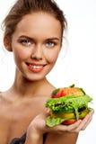 Ragazza con l'hamburger della frutta Fotografie Stock Libere da Diritti