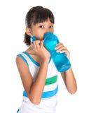 Ragazza con la bottiglia di acqua II Fotografie Stock