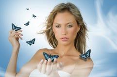 Ragazza con la farfalla Immagine Stock Libera da Diritti