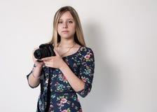 Ragazza con la macchina fotografica Fotografia Stock