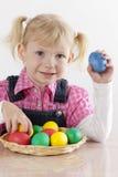 Ragazza con le uova di Pasqua Immagine Stock