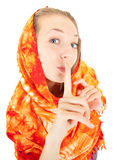 Ragazza con lo scialle arancione immagine stock libera da diritti