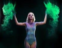 Ragazza con polvere colorata Fotografia Stock Libera da Diritti