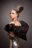 Ragazza cosmica di modo in vestito e capelli da espressione Immagini Stock Libere da Diritti