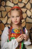 Ragazza in costume russo Fotografie Stock