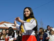 Ragazza in costume tradizionale albanese, Dragash fotografia stock