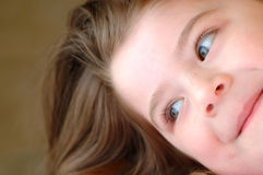 Ragazza d'angolo dei bambini fotografie stock libere da diritti