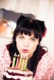 Ragazza d'annata con la torta di compleanno Immagini Stock Libere da Diritti