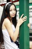 Ragazza dai capelli lunghi cinese esterna Immagine Stock