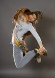 Ragazza del ballerino della via che fa i movimenti Fotografia Stock Libera da Diritti