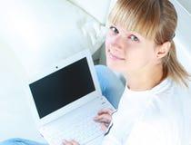 Ragazza del computer portatile Immagine Stock Libera da Diritti