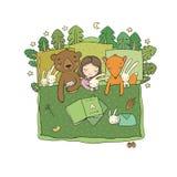 Ragazza del fumetto che dorme a letto Bambino e giocattoli animali del racconto dei bambini s della foresta Tempo di dormire Buon immagini stock