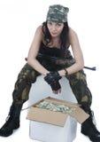 Ragazza del ladro in camuffamento fotografie stock libere da diritti