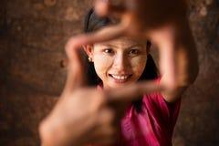 Ragazza del Myanmar che gioca divertimento. Immagine Stock Libera da Diritti