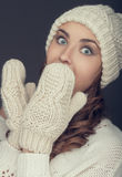 Ragazza del ritratto di inverno fotografie stock