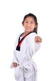 Ragazza del taekwondo dell'asiatico su fondo bianco Fotografia Stock Libera da Diritti