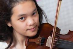 Ragazza del violino Fotografia Stock Libera da Diritti