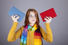 Ragazza dell'allievo con due libri. Immagine Stock