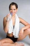 Ragazza della bottiglia di acqua Fotografie Stock Libere da Diritti