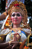 Ragazza di balinese con il vestito tradizionale Fotografia Stock
