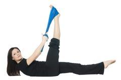 Ragazza di forma fisica che fa i pilates Immagini Stock Libere da Diritti