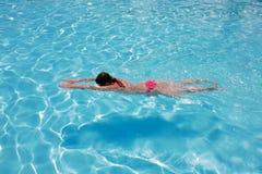 Ragazza di nuoto Fotografia Stock Libera da Diritti