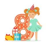 Ragazza di otto anni felice sorridente in un cappello rosso del partito che celebra il suo compleanno, vettore variopinto del per Immagini Stock