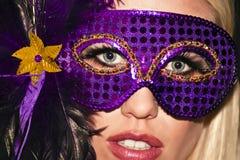 Ragazza di partito mascherata di travestimento di Mardi Gras Fotografie Stock