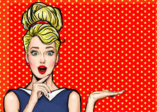 Ragazza di Pop art Invito del partito Scheda di compleanno Donna comica Ragazza sexy Vendita Manifesto dell'annata Donna di modo royalty illustrazione gratis
