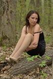 Ragazza di solitudine in foresta Fotografia Stock Libera da Diritti