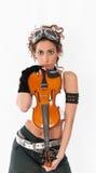 Ragazza di Steampunk con gli occhiali di protezione ed il violino. Fotografie Stock Libere da Diritti