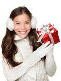 Ragazza di vacanze invernali del regalo su acquisto di natale Fotografia Stock Libera da Diritti