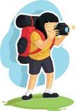 Ragazza di viaggiatore con zaino e sacco a pelo che prende foto Fotografia Stock