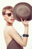 Ragazza divertente del ritratto con il cappello Fotografia Stock