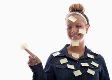 Ragazza e bianco di Post-it Immagini Stock